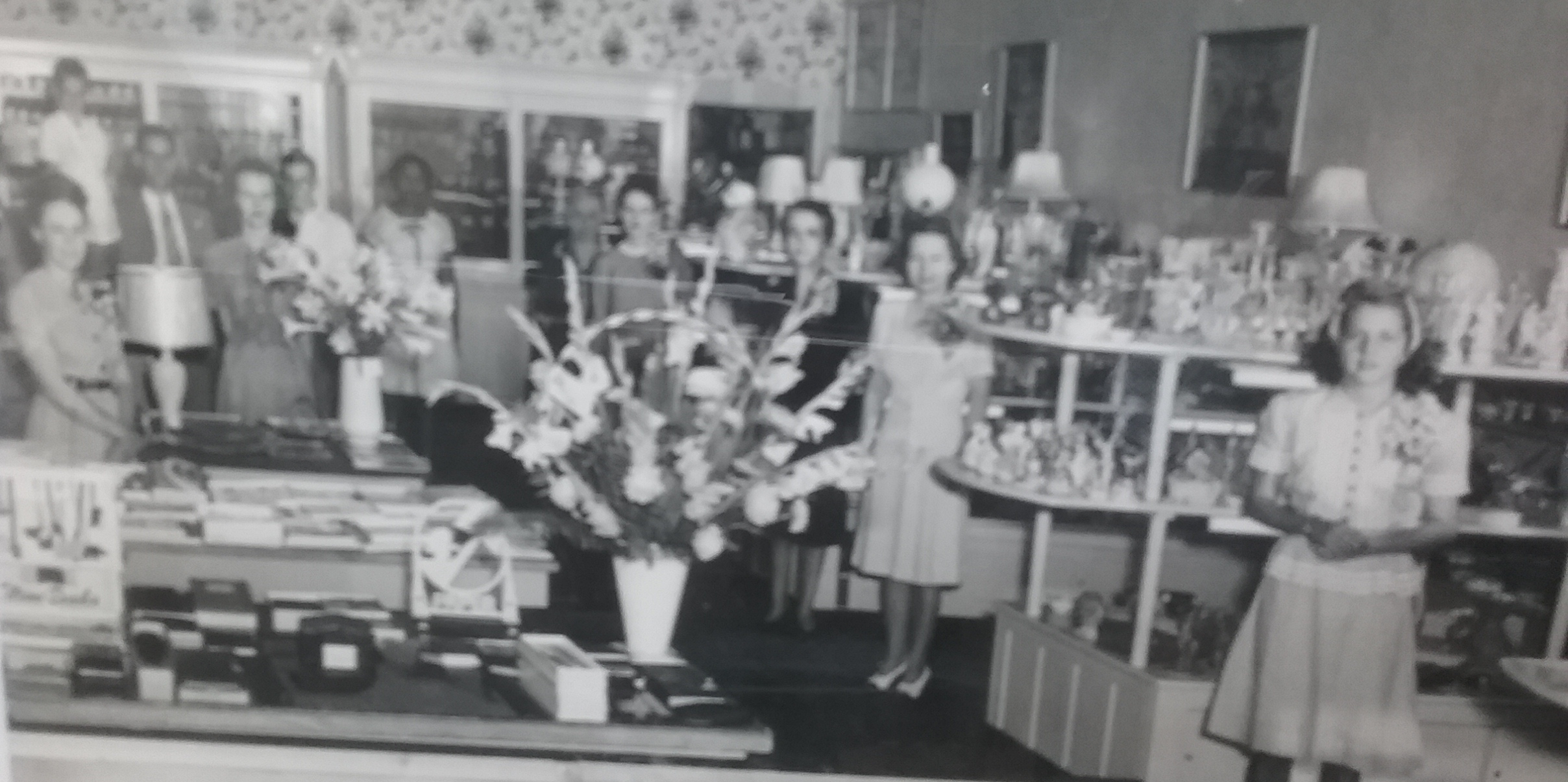 Couch's Gift Shop in 1948